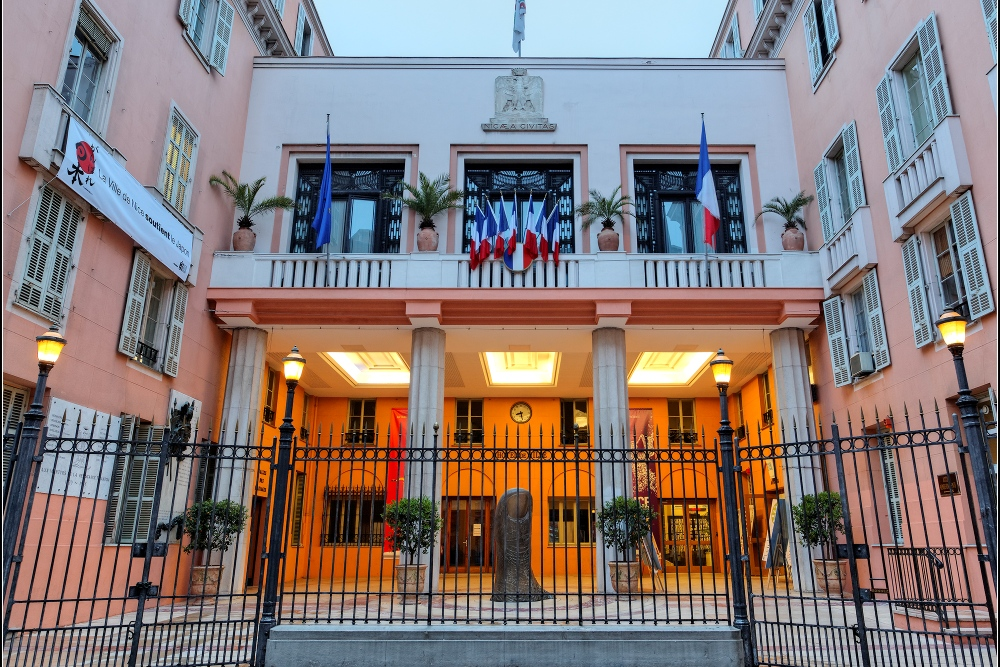 Objectif100ans com 100 allianz riviera de nice for Hotel piscine nice